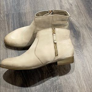 Aldo genuine leather ankle boots